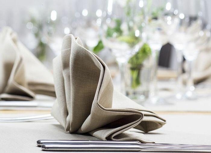 Festtafel gestalten Hochzeit Tischdeko