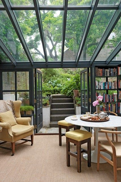 Glasdach Hausbibliothek Mehrzweckraum Pastellfarben