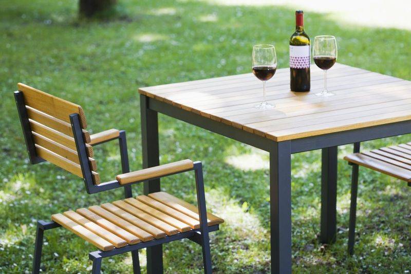 den garten stilvoll aufm beln. Black Bedroom Furniture Sets. Home Design Ideas