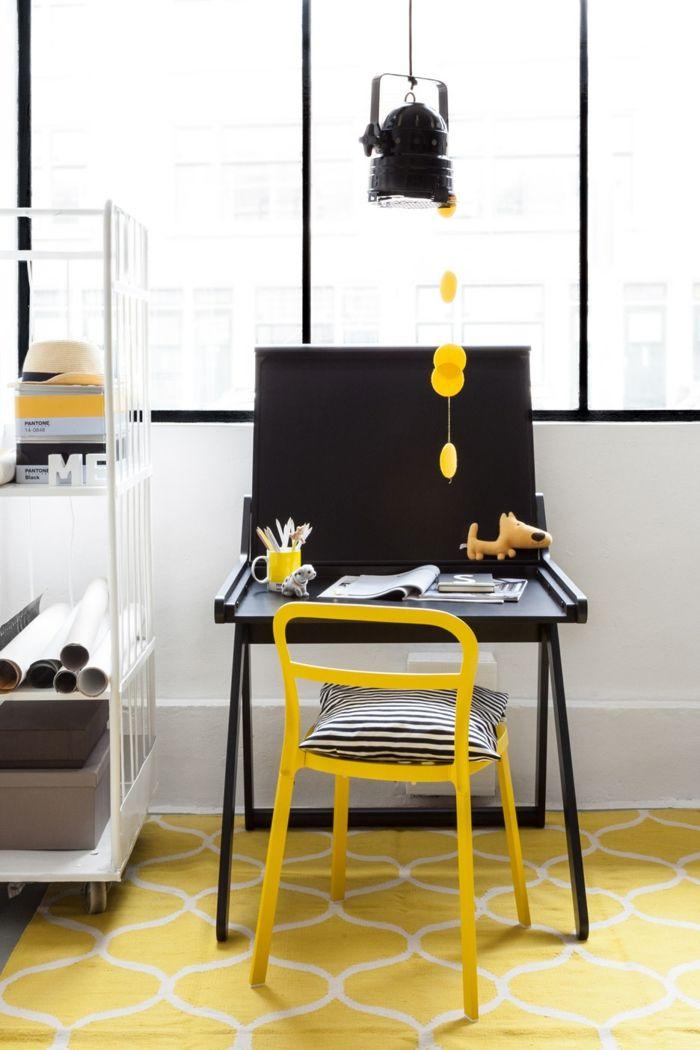 Jugendzimmer Arbeitsfläche gestalten Schreibtisch schwarz