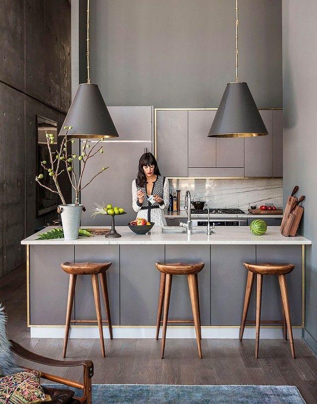 Küche Ton in Ton-Küche grau Pendelleuchten Barhocker
