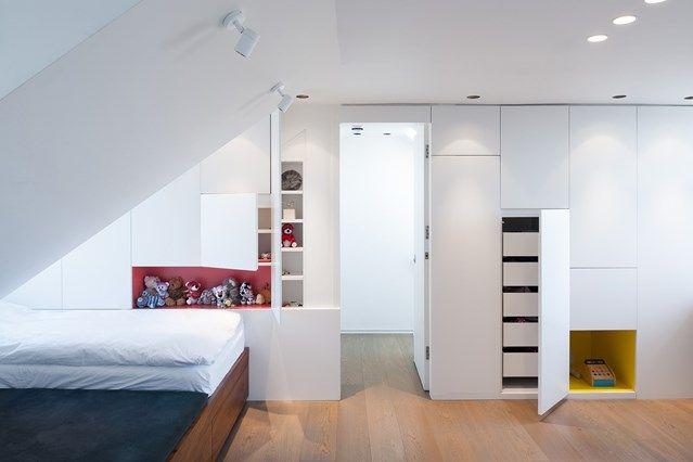 Kinderzimmer modern Weiß Dachschräge