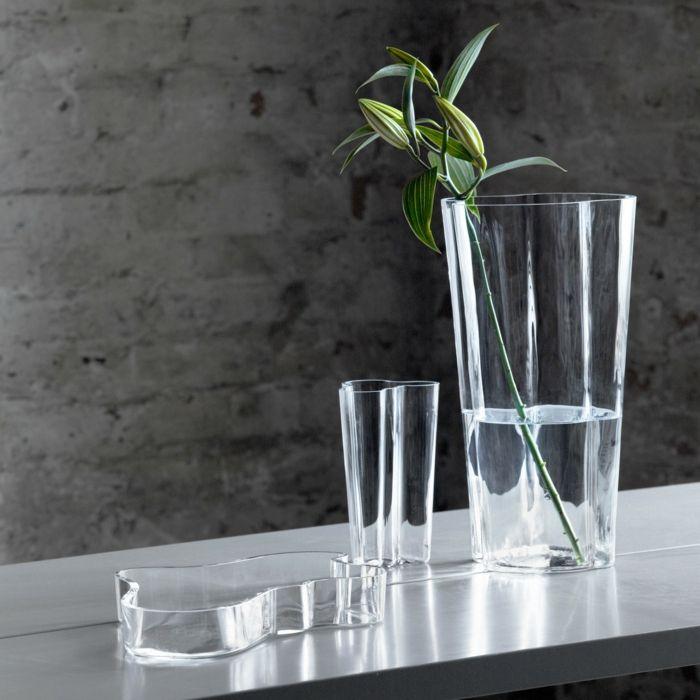Kraftvolles Design, das sich in jedem Einrichtungsstil kombinieren lässt-Designer Vasen Schalen Klarglas Glaskunst