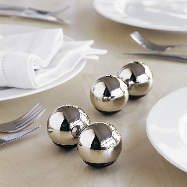 Kugel-Design und Edelstahloptik-Küchenutensilien Metall-Optik