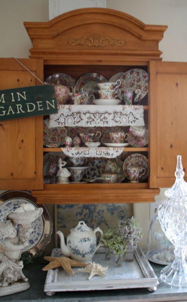 Märchenhaftes Porzellan mit nostalgischen Mustern-Cottage Stil Vintage
