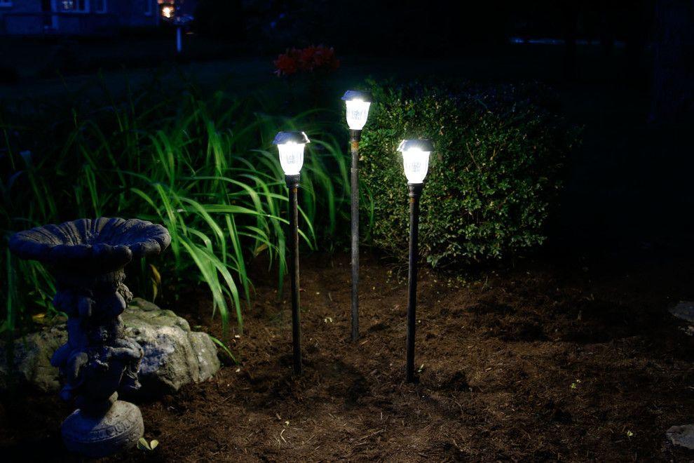 Ohne die Seillampen geht es auch-Beleuchtung Garten