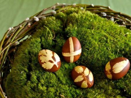 Osterbräuche Eierfärben natürlich
