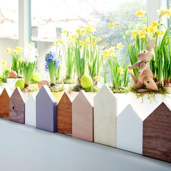 Osterdeko Häuschen Fensterbank Frühlingsblumen