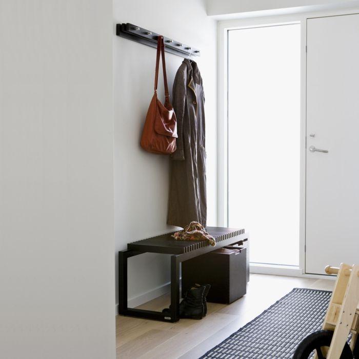 Schlichte Holzbank aus Teak und Eichenholz mit elegantem, nostalgischem Look-Stauraum Diele Sitz und Abstellplatz