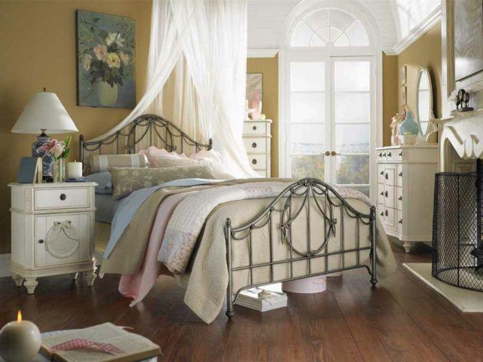 Shabby chic Schlafzimmer mit weißen Möbeln-ideen shabby chic