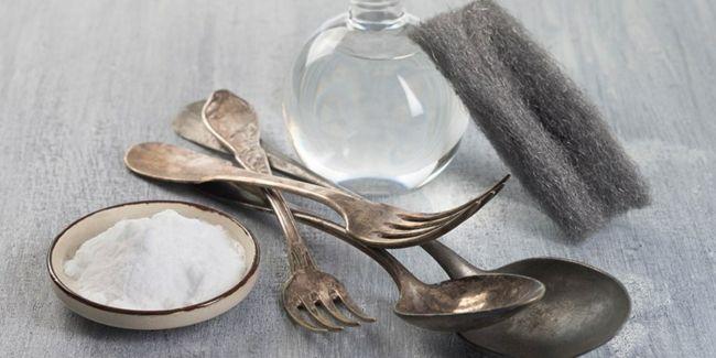 Silber Reinigung Bikarbonat Wasser Schwamm