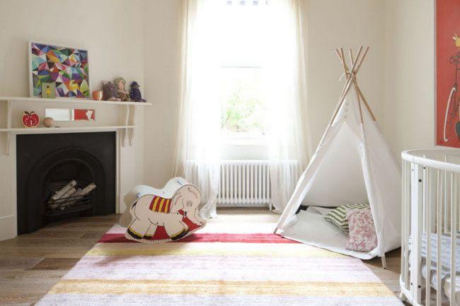 Spielzelt im schlichten Design und hellen Farben-Kinderteppich