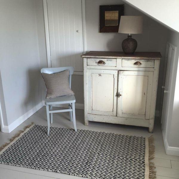 Stilvoller Teppich im skandinavischen Design verziert Ihr Wohn- oder Schlafzimmer-Baumwolle und Jute