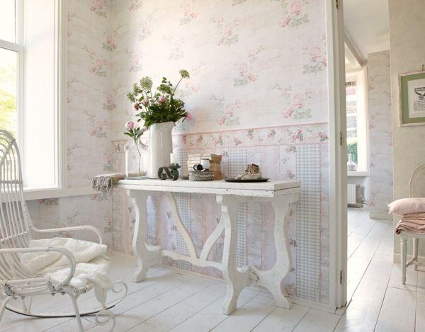 Tapete Landhaus mit Blumen
