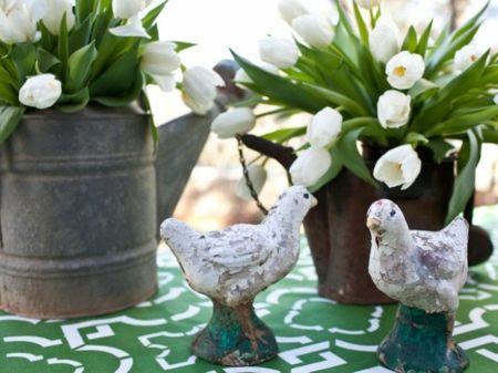 Tischdeko frisch Weiß Grün Hühner Figuren