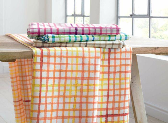 Tischläufer Karo Muster fröhlich Farbkombination