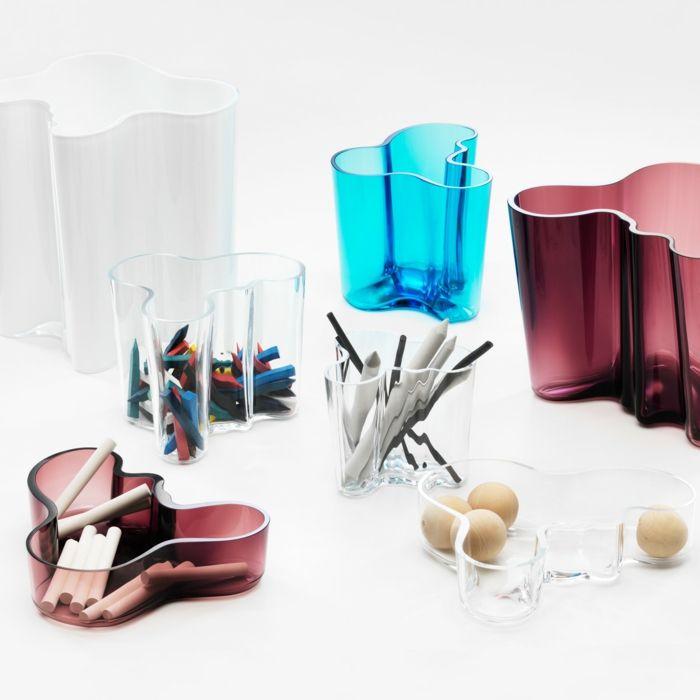 Wellenförmiges Design wurde den Naturformen nachempfunden-Designer Dekorationsschalen Glaskunst