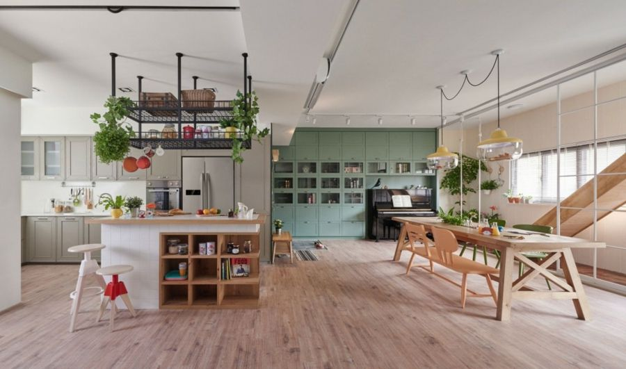 offene Küchengestaltung Kochinsel Holztisch