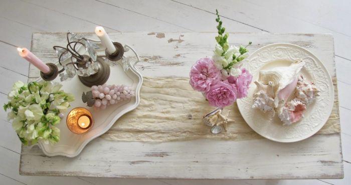 romantische Tischdekoration mit Blumen und Kerzenhalter-ideen shabby chic
