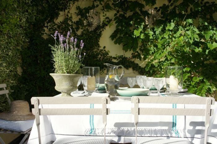 romantischer Garten mit französischem Flair-Idee zum Wohnen