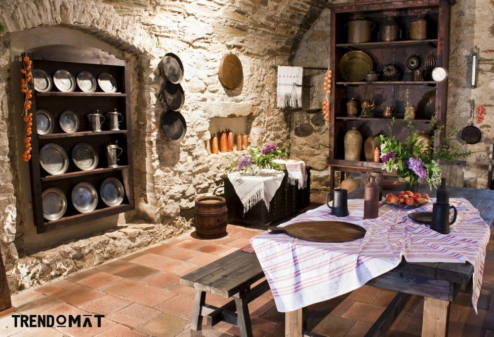 Bauernstube traditionell Keramik Bodenfliesen Holztisch