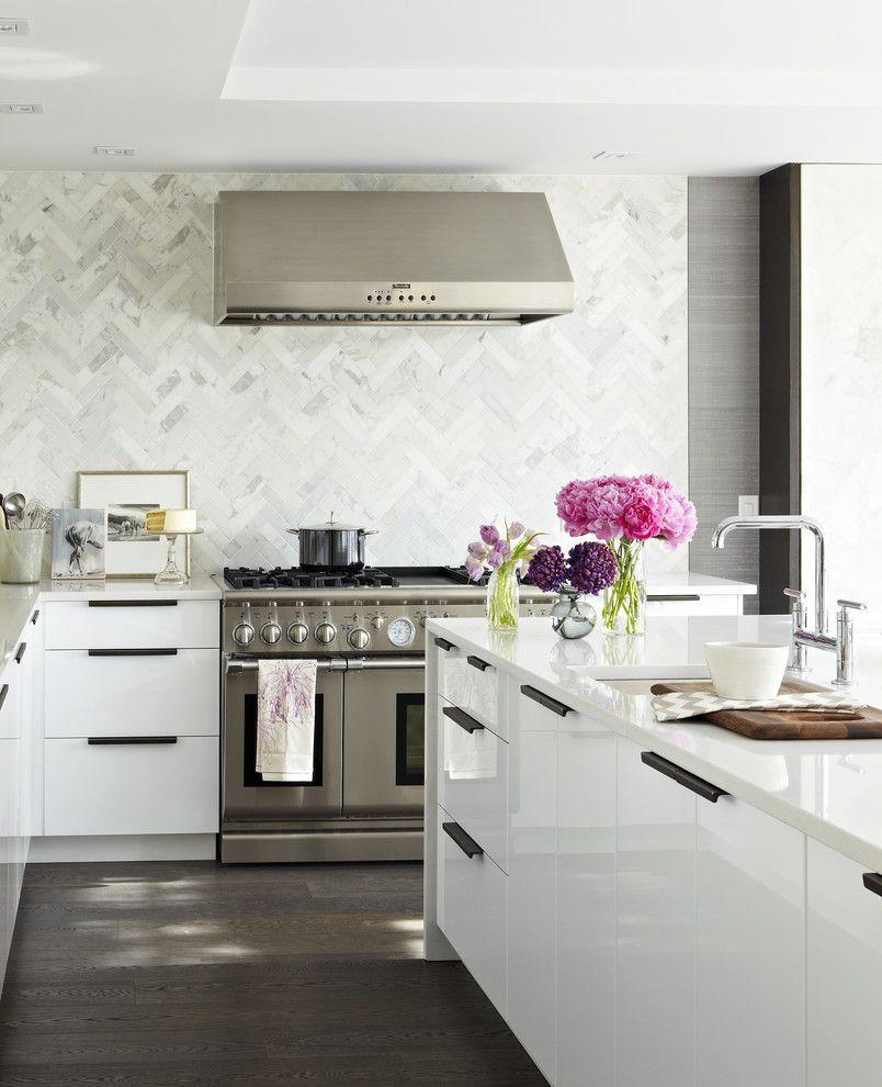 Chic Küchenrückwand Fischgrätermuster weiß silber