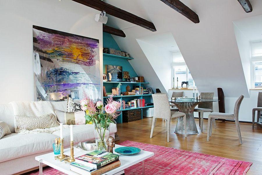 Dachschräge einrichten Wohnzimmer eklektisch Farbenspiel
