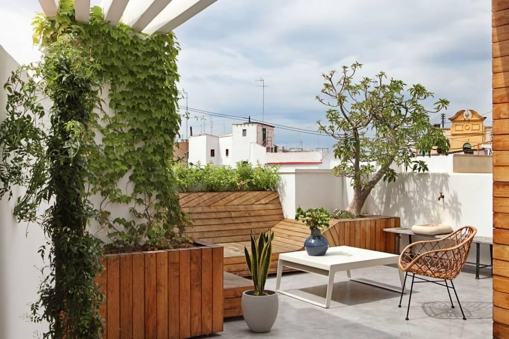 Dachterrasse Bepflanzung modern Holzoptik