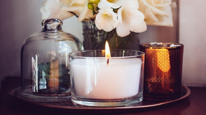 kerzen und ihre wohltuende wirkung im wohnraum nach feng shui. Black Bedroom Furniture Sets. Home Design Ideas