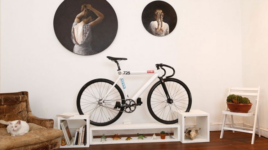 innovative m bel mit zweiter funktion als fahrradst nder. Black Bedroom Furniture Sets. Home Design Ideas
