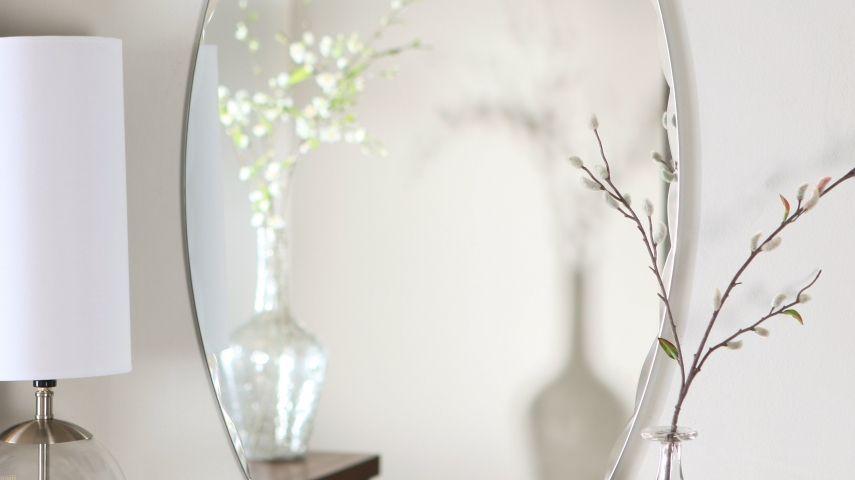 Den Spiegeln Ist Eine Wichtige Rolle Bei Der Raumgestaltung Nach Chinesischen Lehre Feng Shui Vorbehalten An Richtigen Stelle Im Haus Platziert