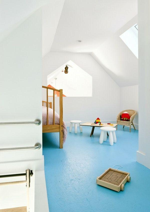 Ferienhaus Schlafzimmer Giebeldach schlicht