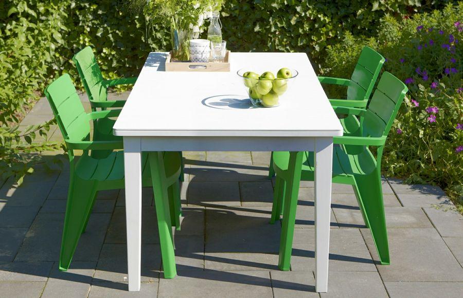 Gartensaison Mobiliar Gartentisch Stuhl Kunststoff weiß grün