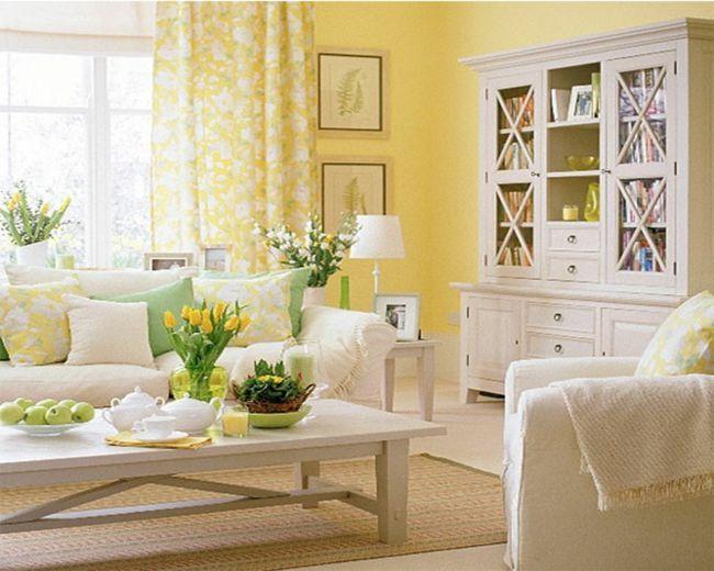 Gelb leuchtet als Trend- und Frühlingsfarbe im Wohnzimmer