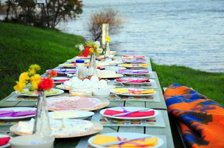Gestaltungsidee Picknick Tischdeko bunt