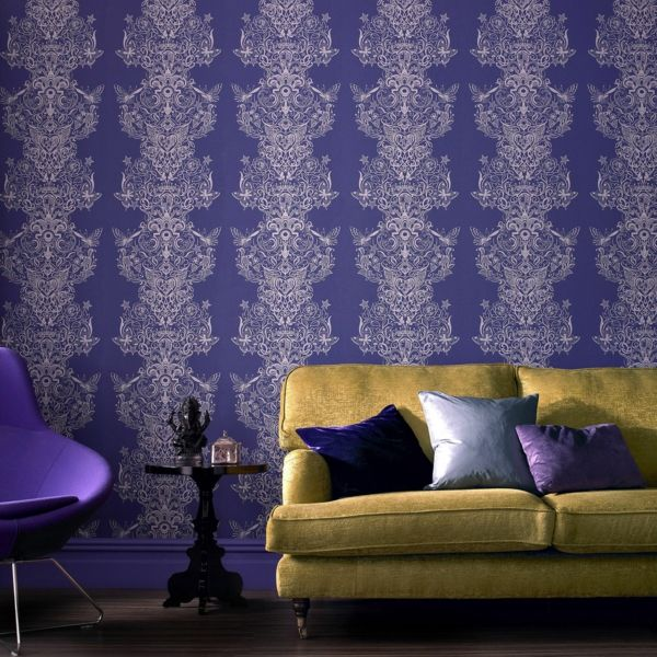 Innenraum purpurfarben Wandgestaltung Muster mondän