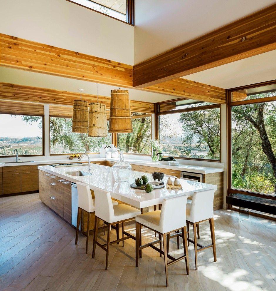 Küchenidee Holzfronten weiß Arbeitsplatte Kochinsel