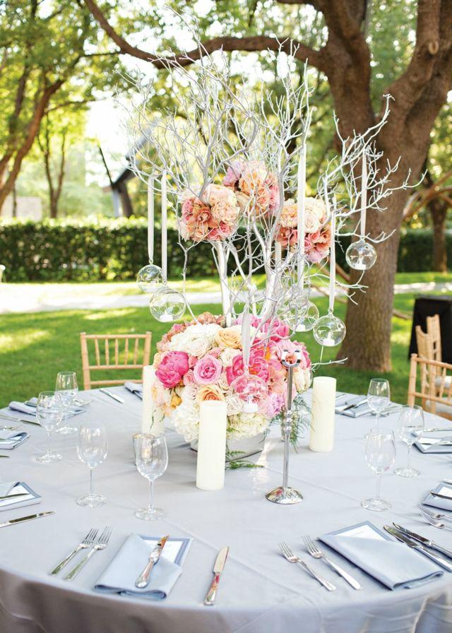 Kernstück Hochzeit Tisch Blumengesteck arrangieren