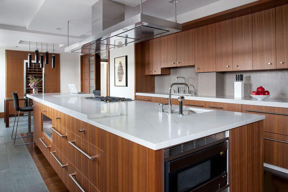 Kochinsel Holzfronten traditionell Küche