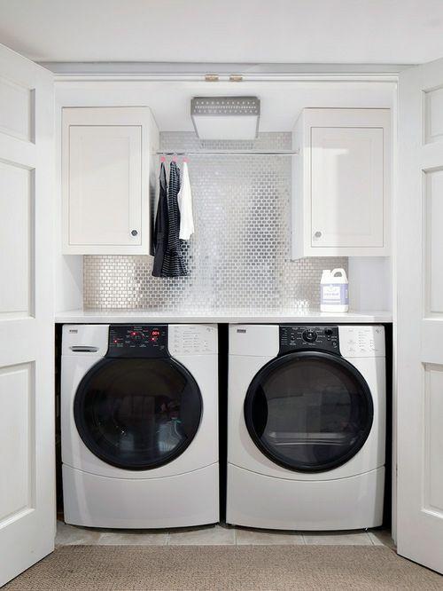 Luxus chic Waschküche glänzend Wandfläche weiß