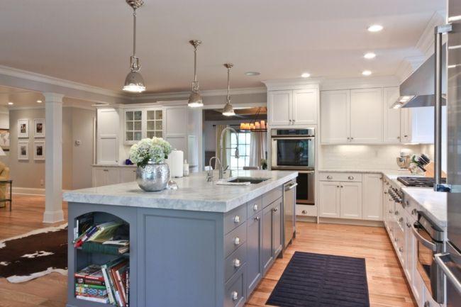 Marmorplatten Kücheninsel Trendmaterial Metalltöne