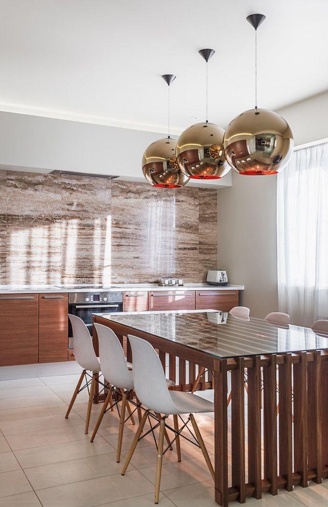 Modern Küchenrückwand Optik Holztisch Eames Stühle