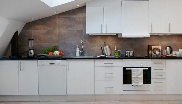 Moderne Küche Dachraum Funktionsbereich