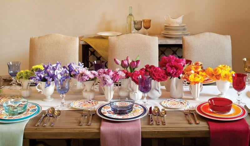 Regenbogen Tischdekoration mit Frühlingsblumen macht gute Laune