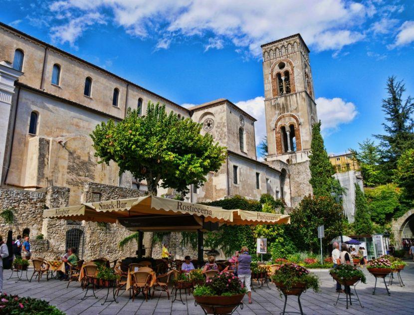 Reiseziel Tourismus Ravello Italien Kirche