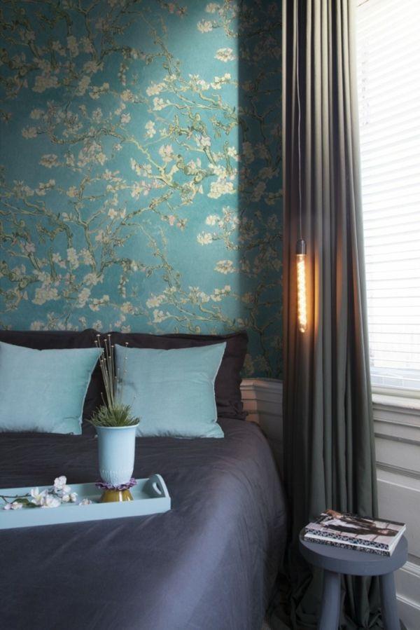 Schlafzimmer Akzentwand Vliestapete Blütenmotiv blau
