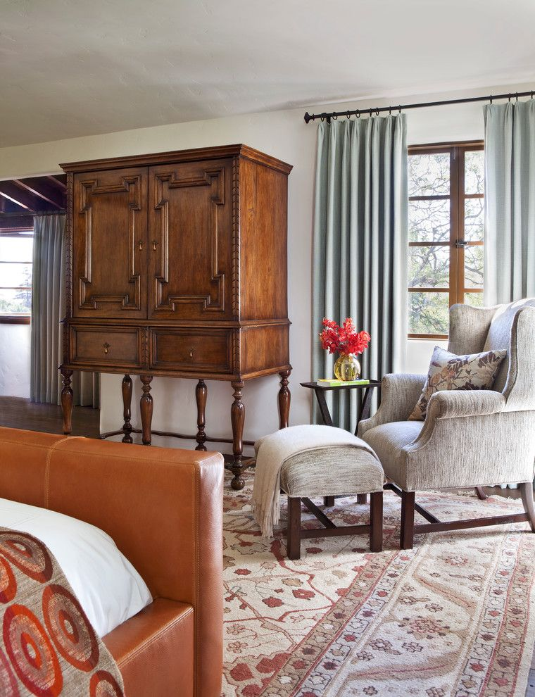 Schlafzimmer Einrichtung klassisch antik Schrank