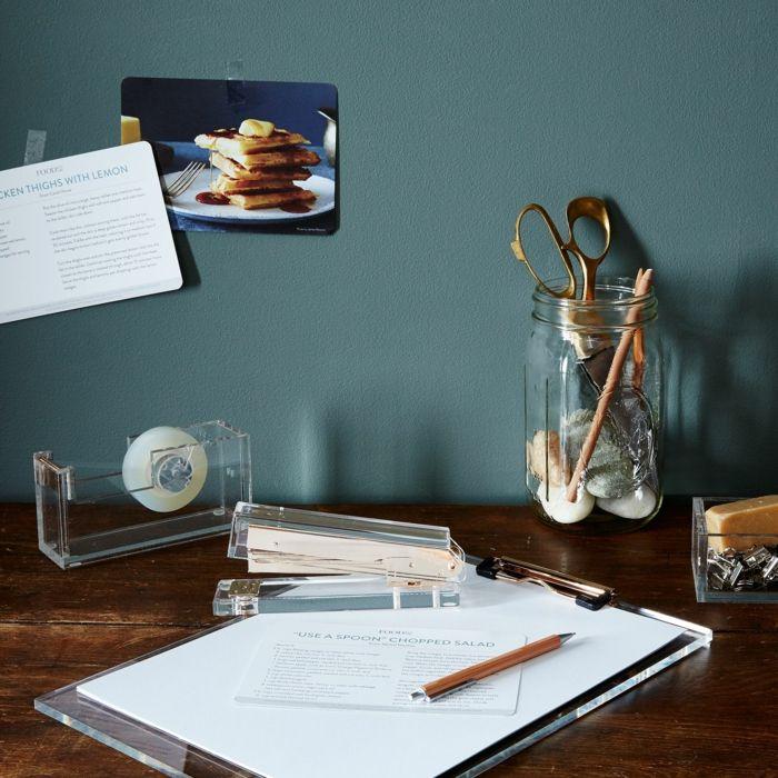 Schreibtisch Organisation Entrümpelung Büroaccessoires