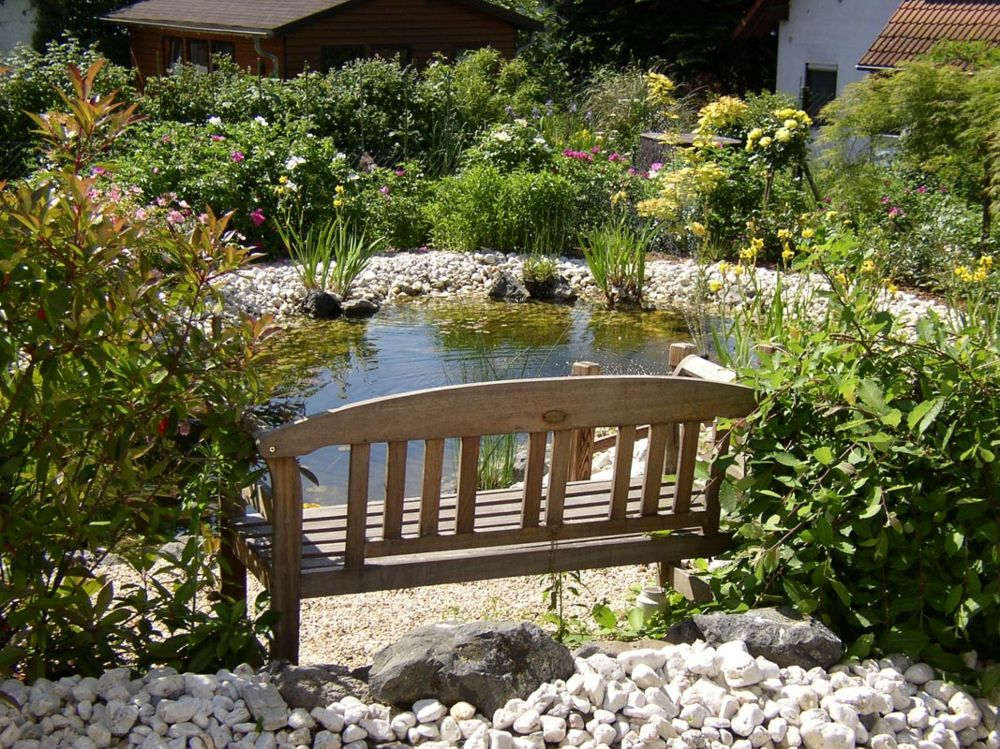 Wasseranlage Gartenteich anlegen Sitzbank