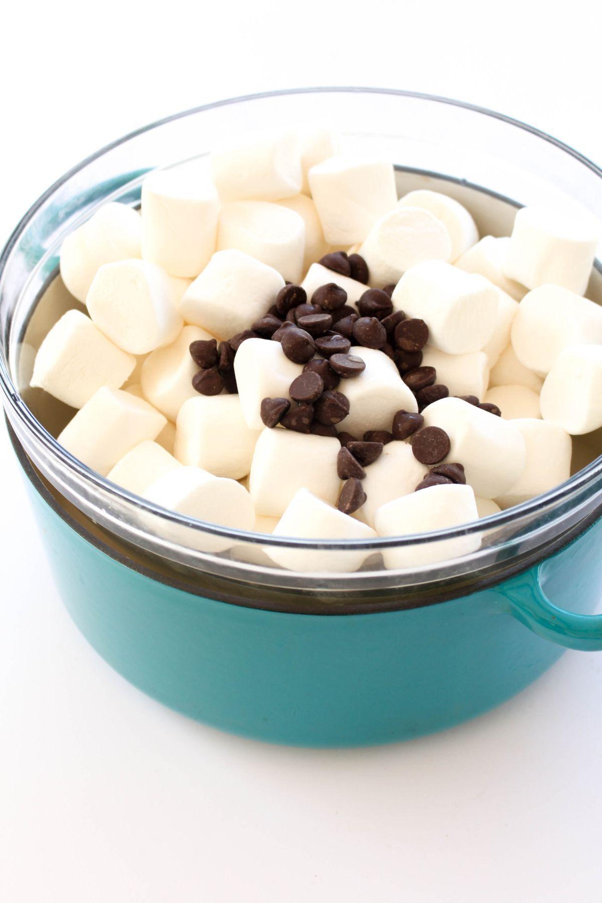 Weiß Marshmallows Marienbad verschmelzen